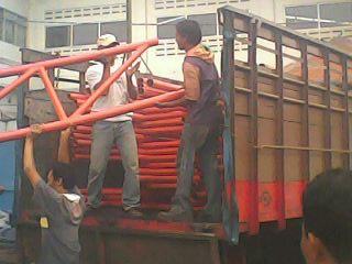 Material panel enamel akan dikirimkan ke lokasi proyek Kubah Masjid di Lasusua Kolaka Sulawesi Tenggara