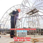 Pemasangan kremona pada kubah Masjid Agung Balikpapan