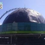 Proses pemasangan panel pada kubah Masjid Al Bayan - PALU,SULAWESI TENGAH .CV. MICRO 2000