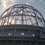 Proses pemasangan rangka pada kubah Masjid Demak Jateng Dukuh Lengkong Desa Mulyorejo Kec. Demak,Kab.Demak.CV. MICRO 2000